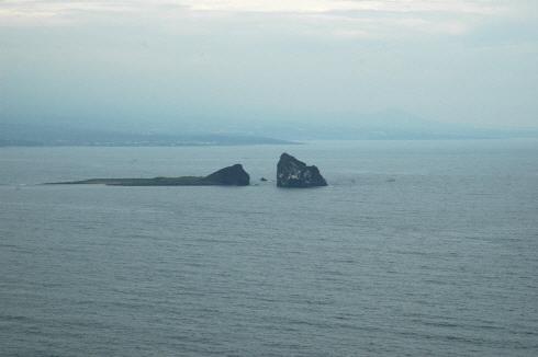 송악산에서 바라본 형제섬