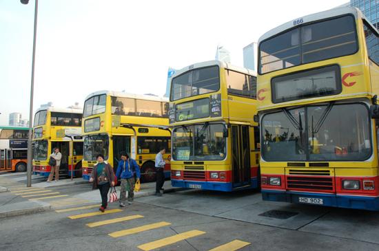 골라타는 재미가 있는 홍콩의 다양한 교통수단