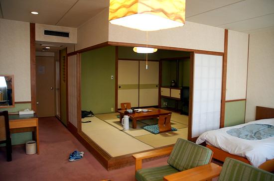 여유를 누릴 수 있는 일본 전통 숙소 료칸 :: TOMO's Travelog