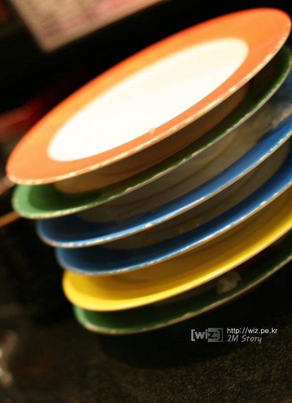 회전 초밥집 접시