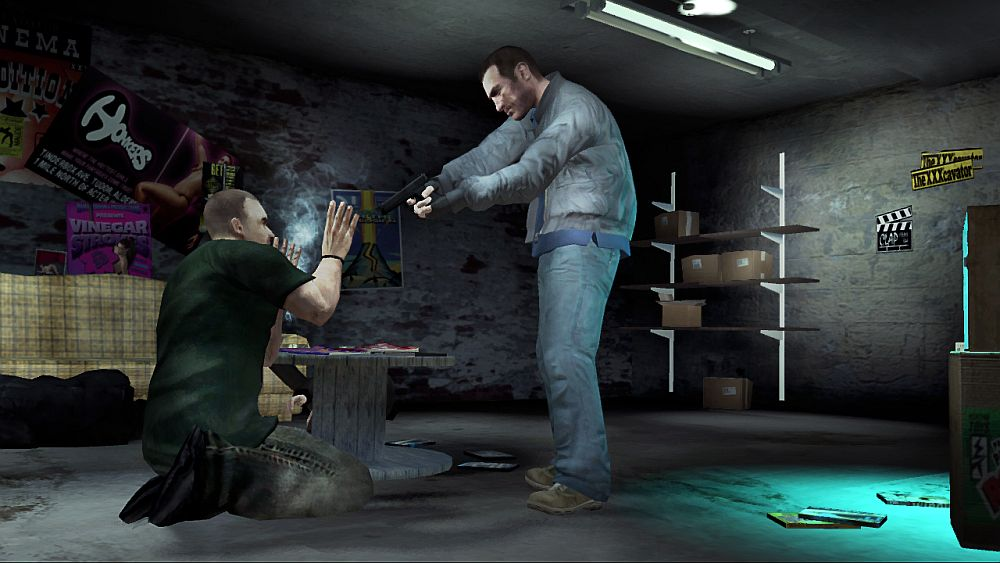 GTA4 Screenshot - How to use a gun as threat