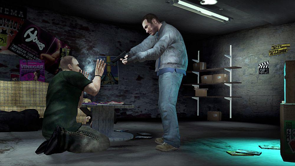 GTA4 Screenshot - How to use a gun as threat